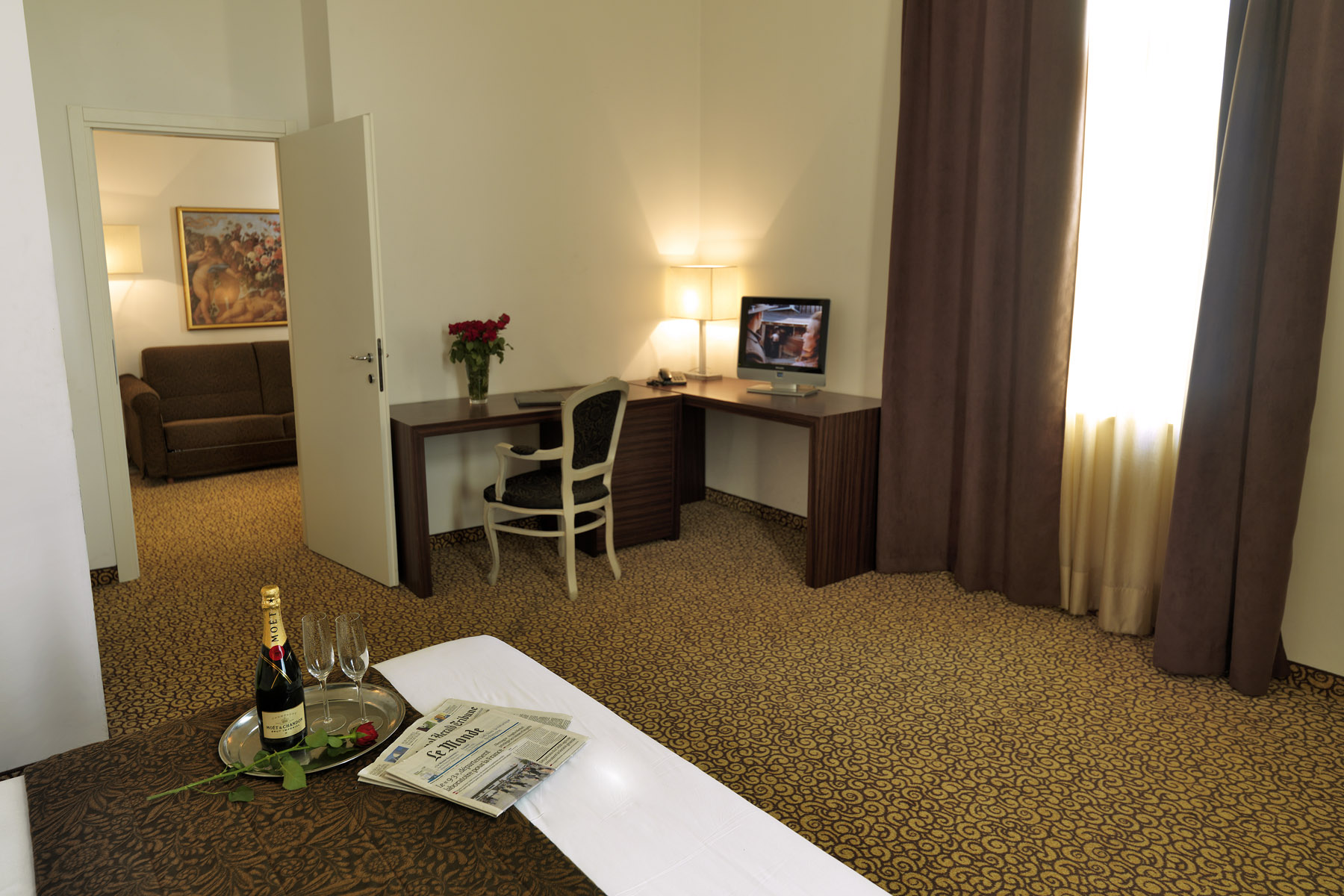 Camere suites assenzio hotel praga for Piani di aggiunta di suite in legge