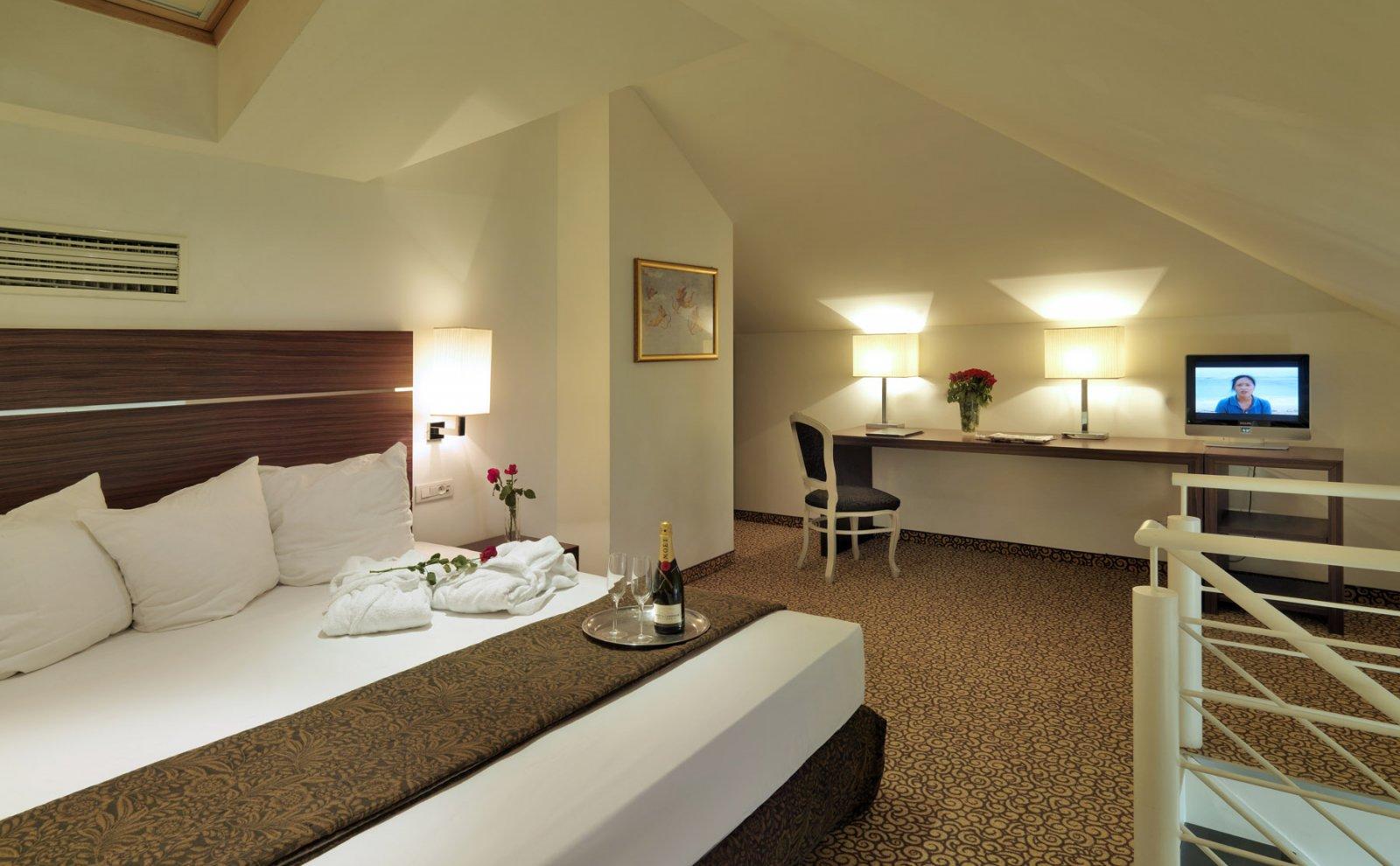 Assenzio Hotel, Praga